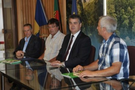 Protocolo reforça colaboração entre SRA e FENCAÇA